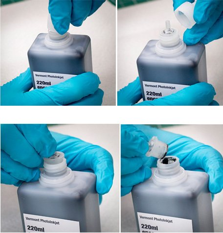 The silicone plug should be removed for pouring or for allowing access to the ink by a blunt tip needle.